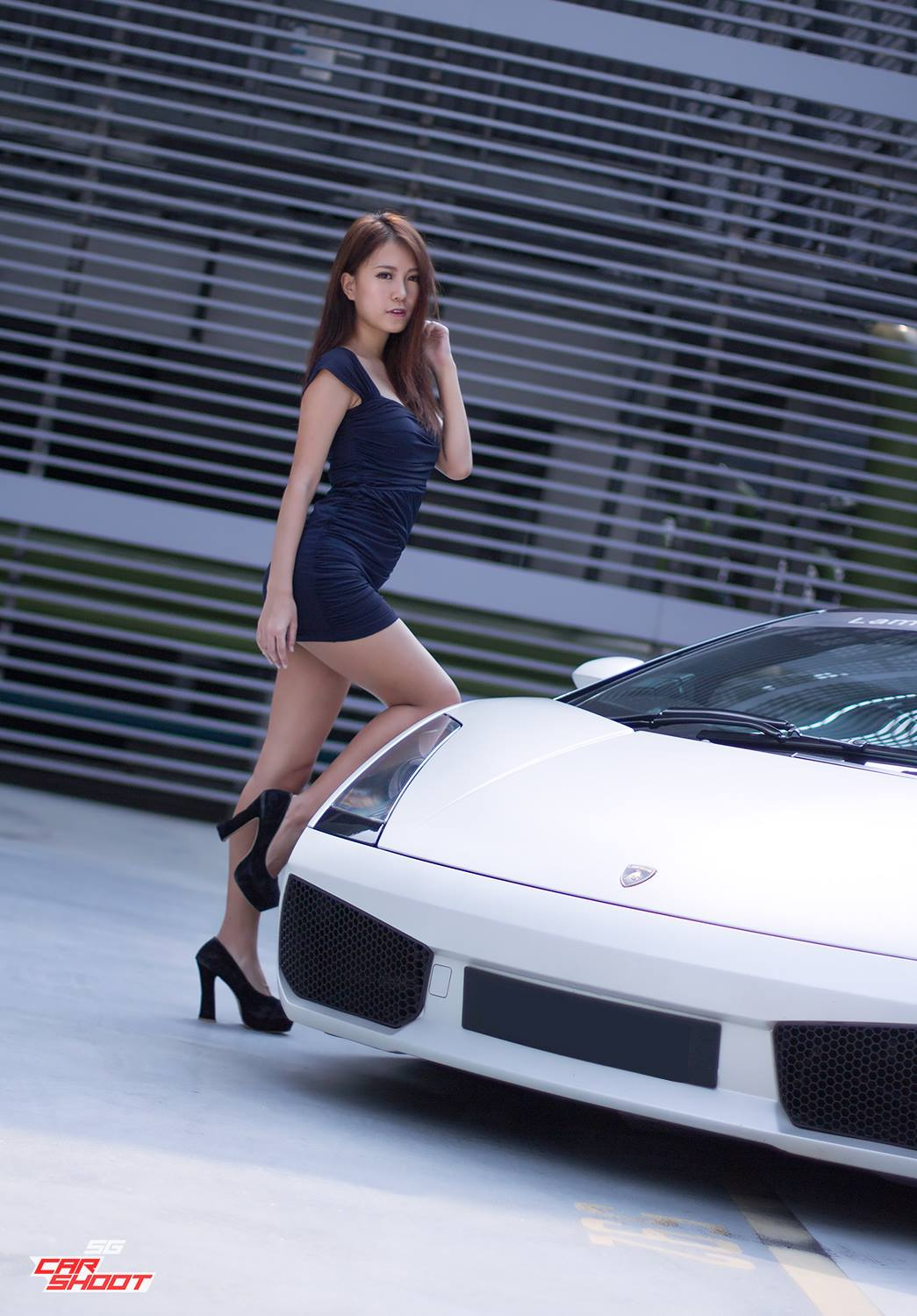 Vanessa and Lamborghini Gallardo Spyder